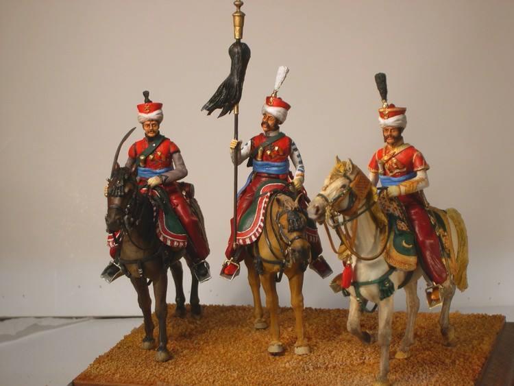 Mamelouk: cavalier, porte toug et officier - Historex 1/30 Malelo10