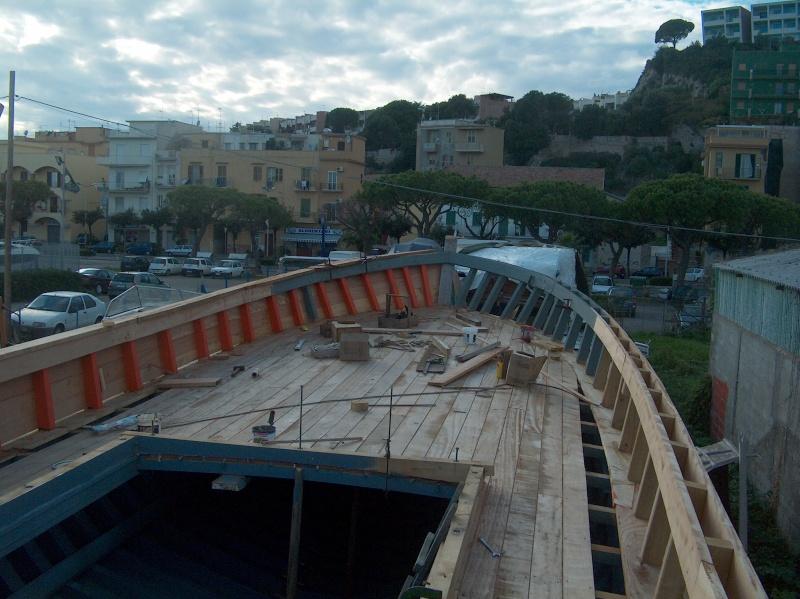 Chantier Naval en bois - Gaeta - Italie Hpim0621