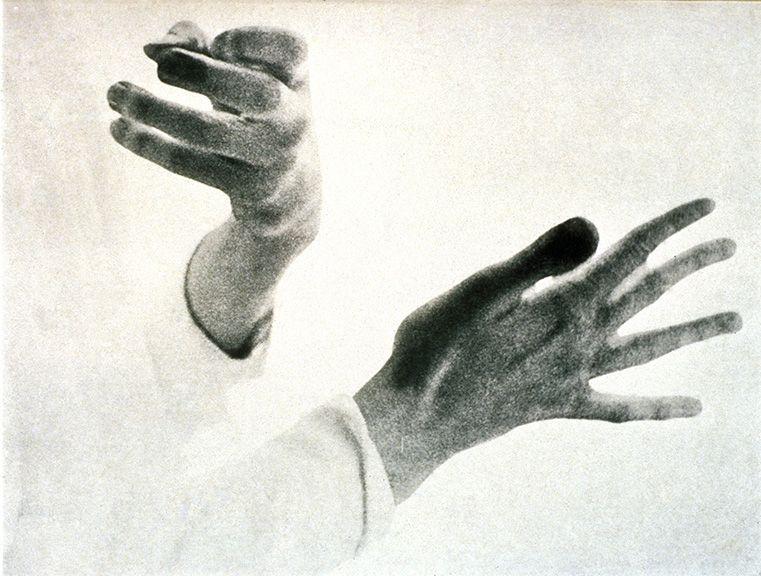 «Nous vivons dans l'oubli de nos métamorphoses» - Paul Eluard - Page 9 85257610