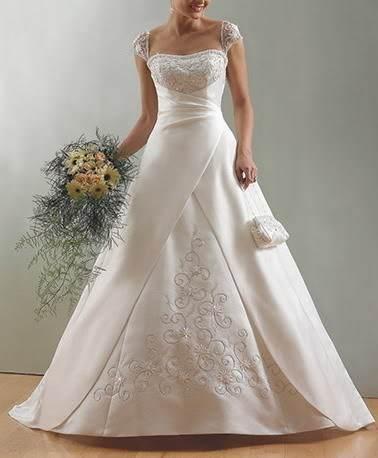 Disney se lance dans la robe de mariée - Page 7 Kgrhqv10