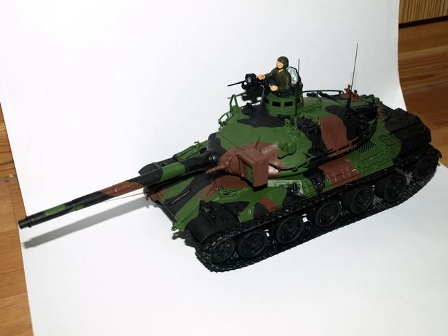 Après le petit au 1/72 le grand au 1/35 (AMX 30B Heller 1/35) 00110