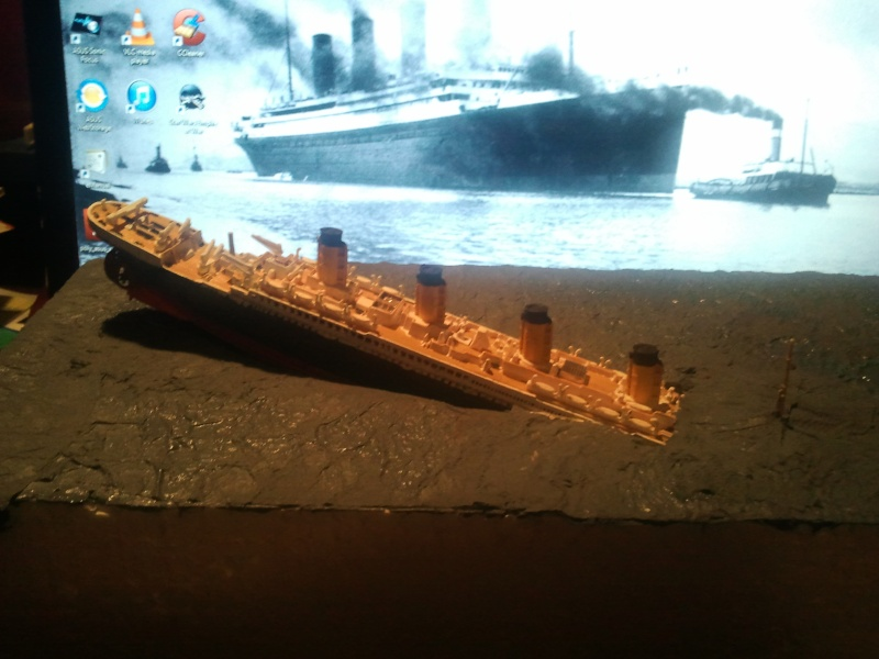 RMS Titanic revell 1/1200  Photo015