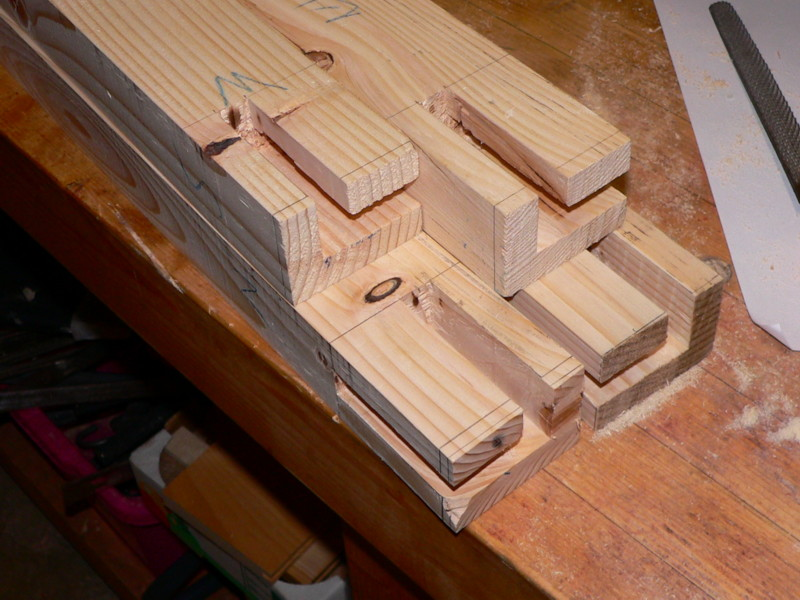 meuble support pour perceuse d'atelier - Page 3 Mortai13