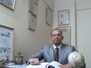 التعريف بالفلكى\ احمد شاهين