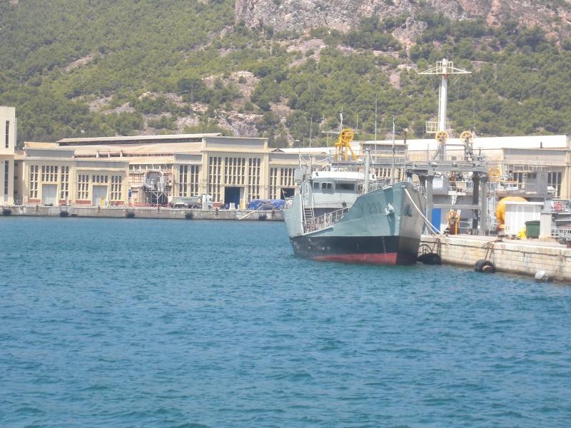 Identification de navires - Page 3 Cimg5210