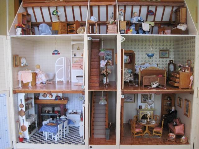 la maison de poupée Img_5719
