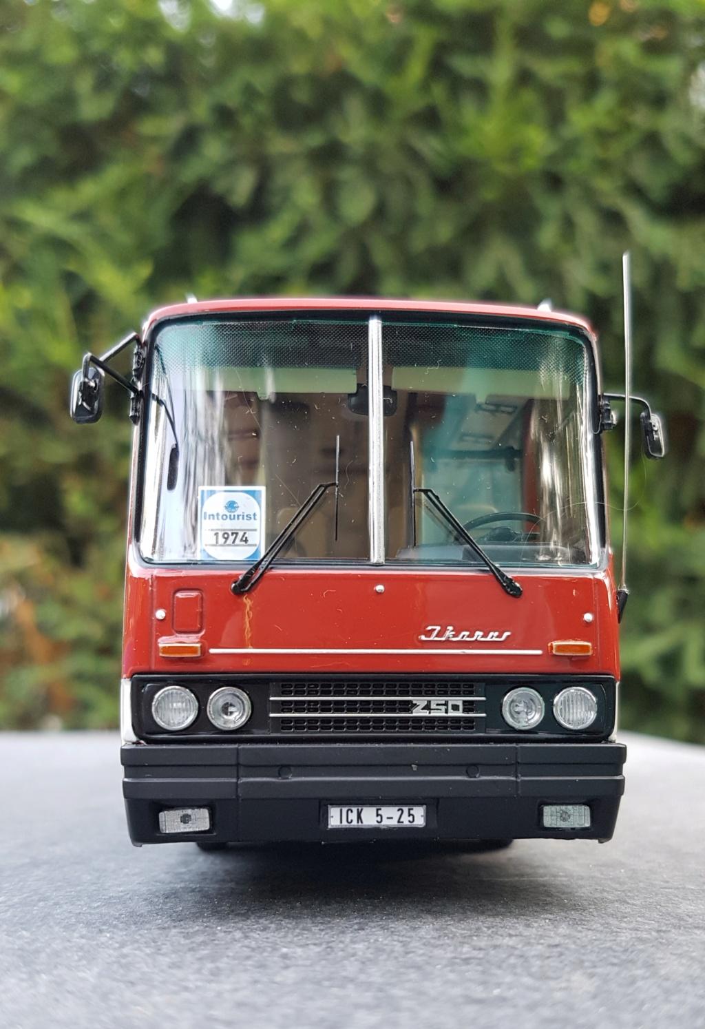 Ikarus 256.51 und 250.59 von Classic Bus 20190721