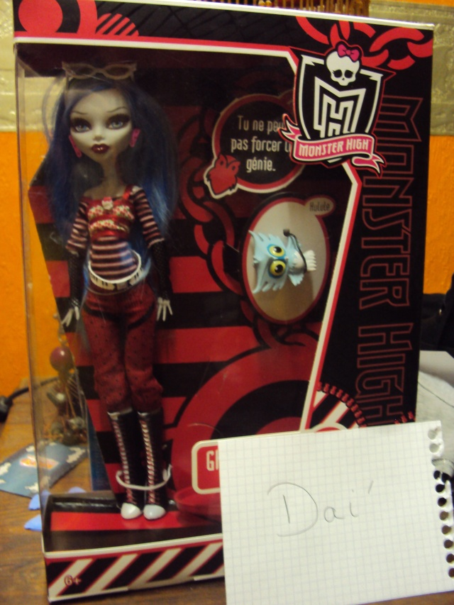 [VENDS] Poupée Monster High Ghoulia Yelps + poupée en porcelaine! Dsc03311