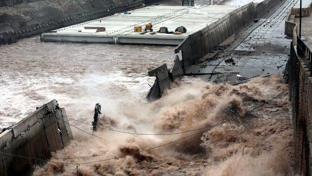 Muro de Vía Parque Rímac colapsa por el aumento del caudal 9386410