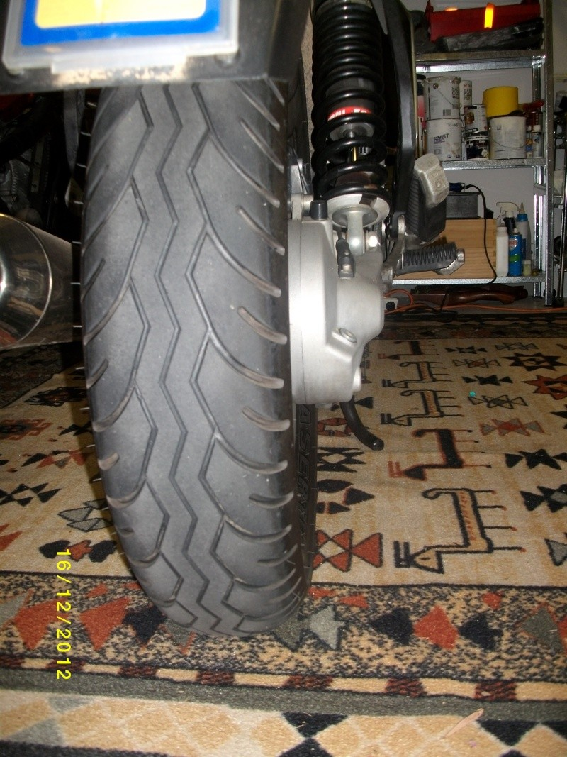 rear wheel leans to the right  Rear_r10