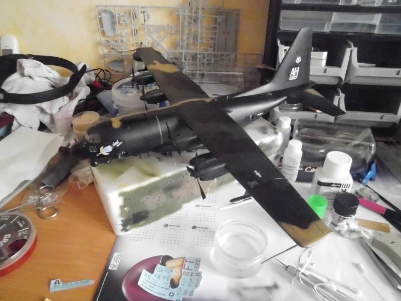 Hercules AC-130-A GUNSHIP 1/72 - Page 2 Cimg0018