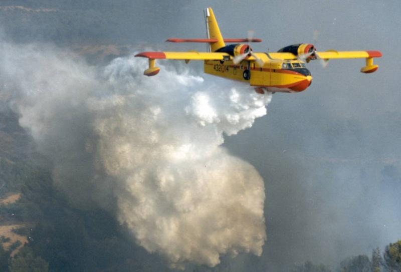 canadair CL215 et CL415 pompier du ciel Cl215_10