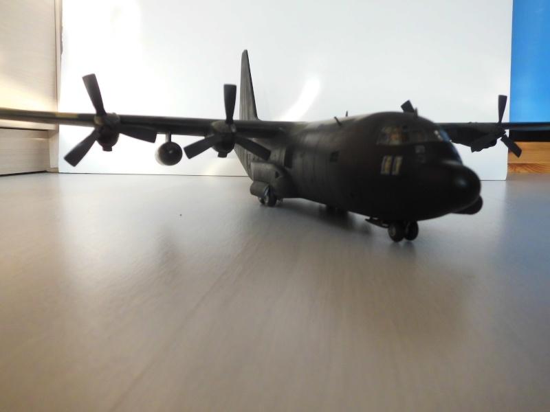 Hercules AC-130-A GUNSHIP 1/72 - Page 2 Hercu100