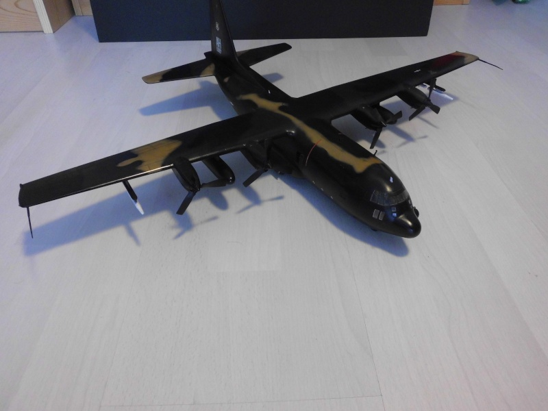 Hercules AC-130-A GUNSHIP 1/72 - Page 2 Hercu102