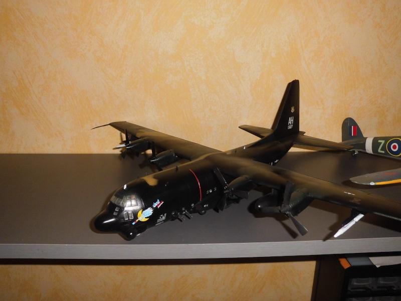 Hercules AC-130-A GUNSHIP 1/72 - Page 2 Hercu103