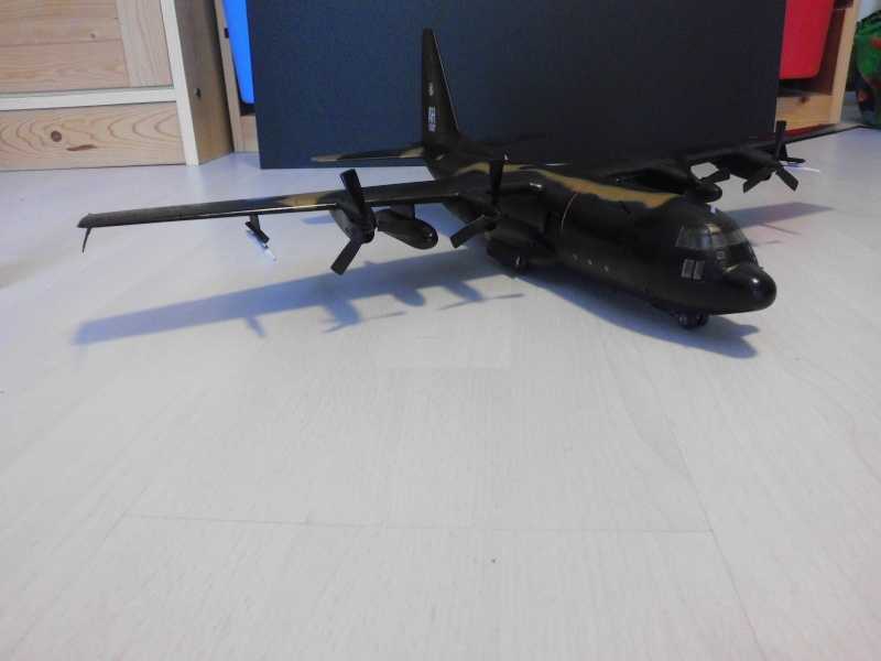Hercules AC-130-A GUNSHIP 1/72 - Page 2 Hercu104