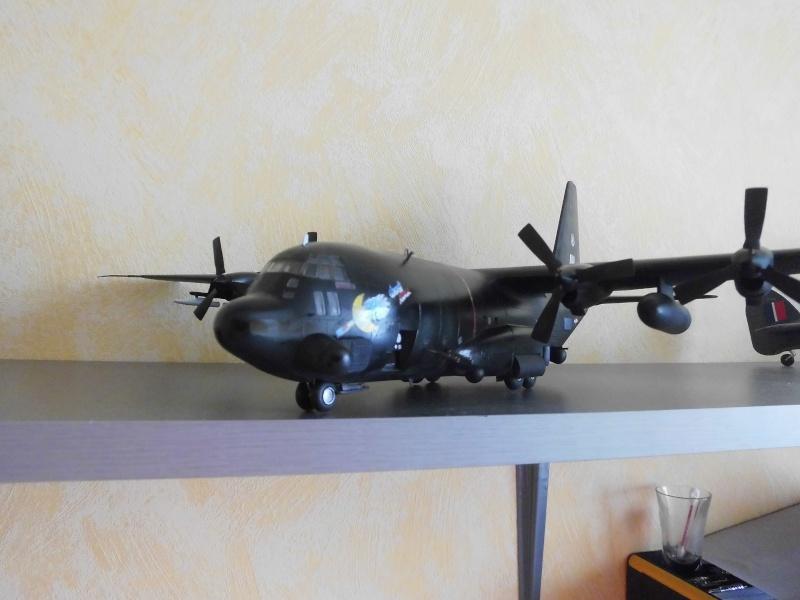 Hercules AC-130-A GUNSHIP 1/72 - Page 2 Hercu107