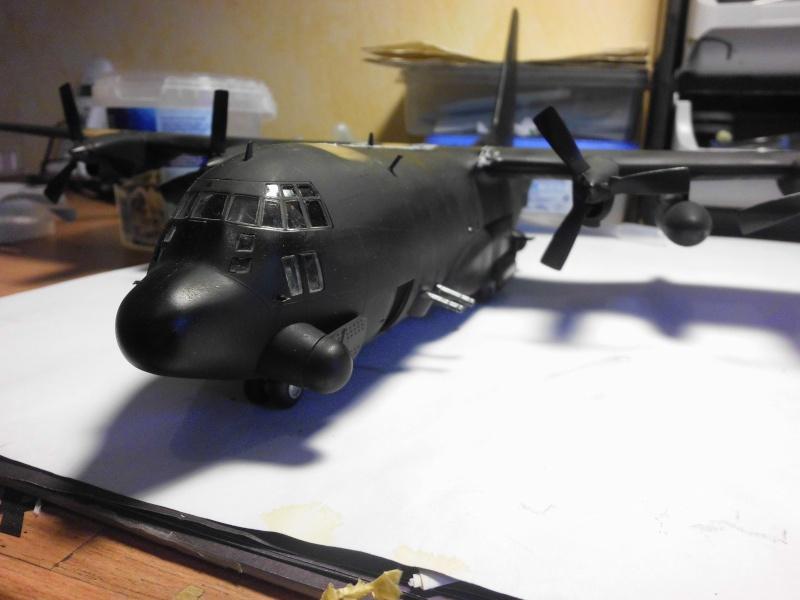 Hercules AC-130-A GUNSHIP 1/72 - Page 2 Hercul79