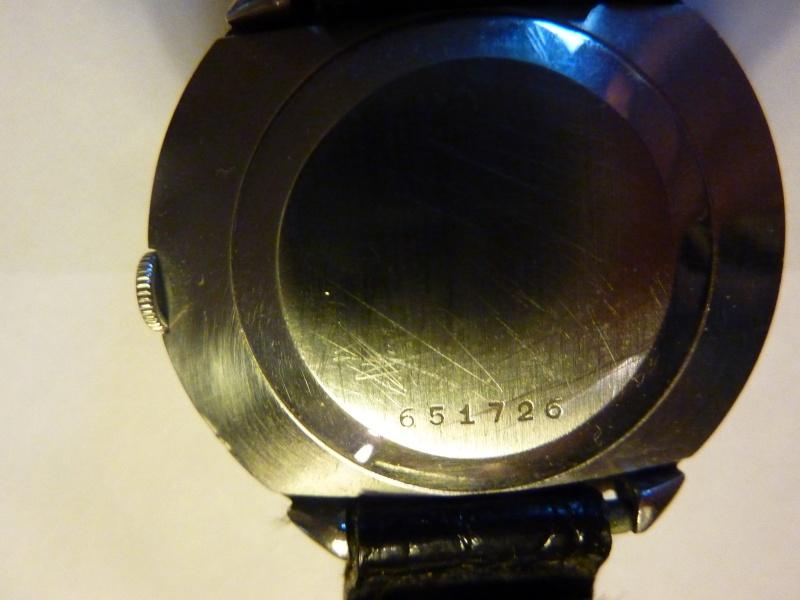 Jaeger -  [Le TOPIC des demandes d'IDENTIFICATION et RENSEIGNEMENTS de montres est ICI] - Page 39 P1010310