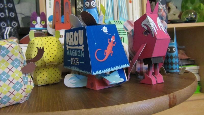 Un aquarium sans piscis mais rempli de paper craft... Img_4919