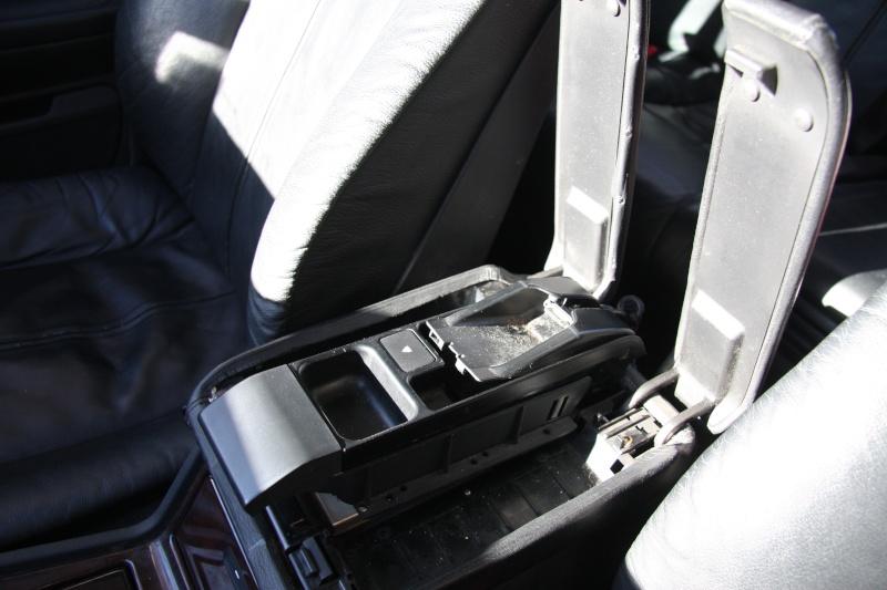 Accoudoir central pour téléphone motorola V50 Img_9911