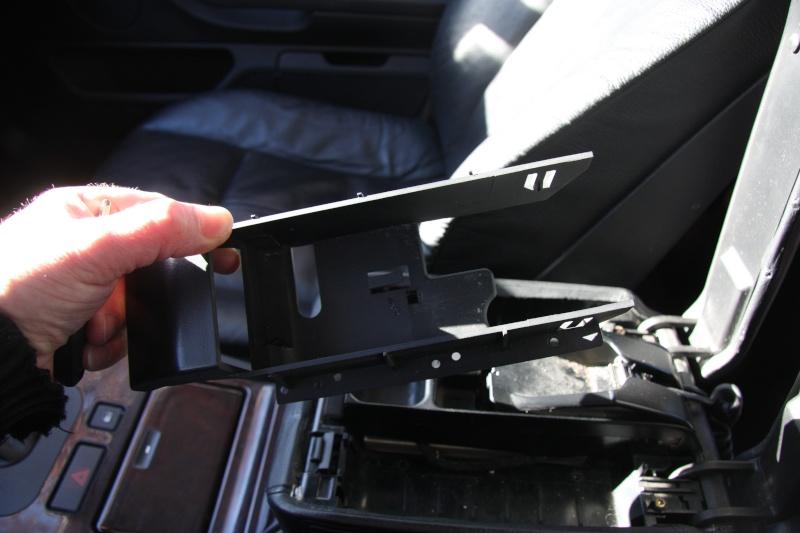 Accoudoir central pour téléphone motorola V50 Img_9912