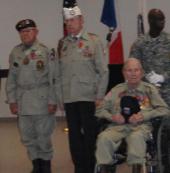 La Légion d'Honneur pour John Devanie, 509th PIB Devani10