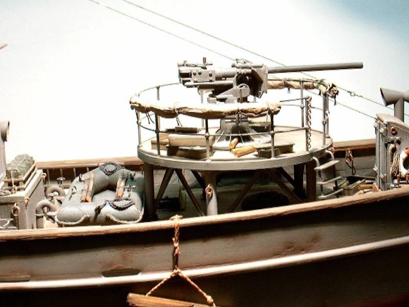 V1208 ein Kriegsfischkutter (KFK) - M=1:35 Kfk_v112