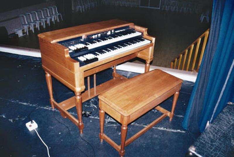 Hammond B3 Orgel im Massstab 1:1 Assemb11