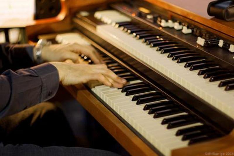 Hammond B3 Orgel im Massstab 1:1 Keys110