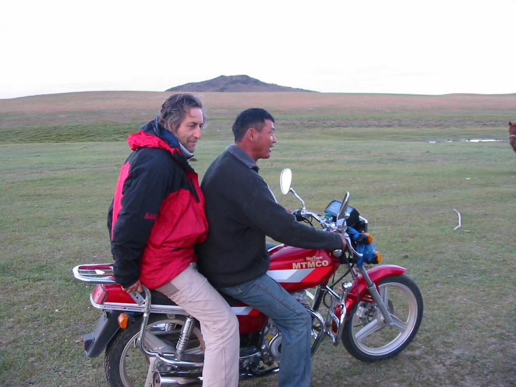 A venir ... Yamaha MT-07 Ténéré  - Page 21 Mongol15