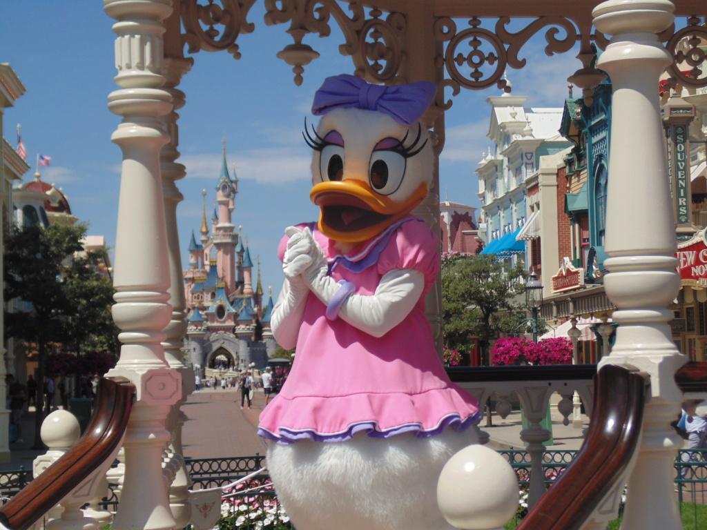 Vos photos avec les Personnages Disney - Page 9 Dsc01410