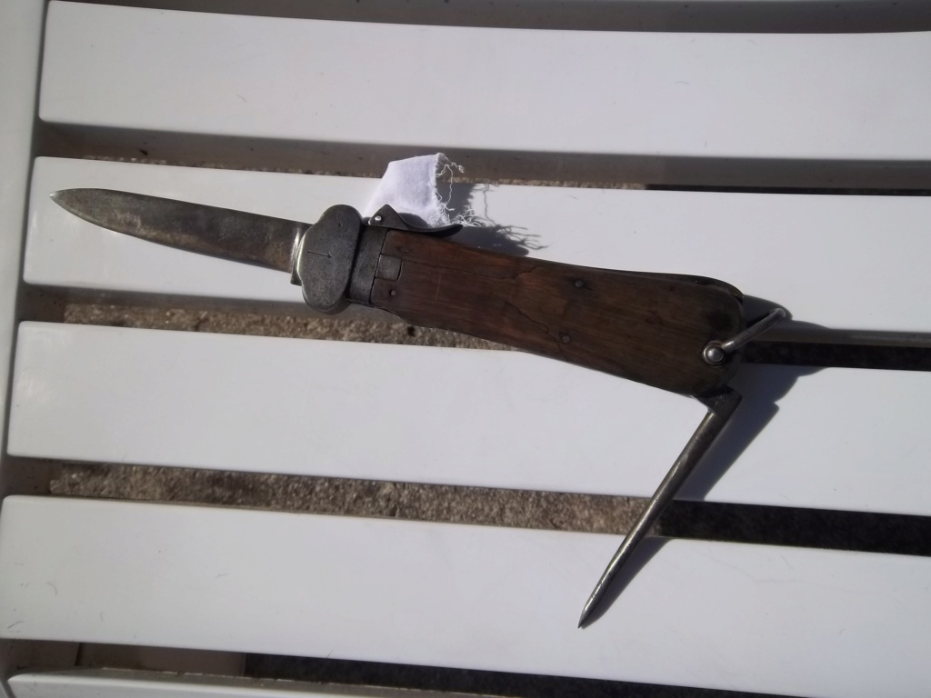 Couteau de para allemand ..ajout de photos ! - Page 2 100_1528