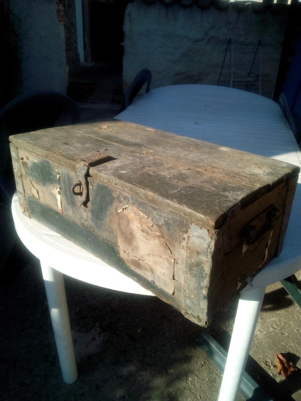 Caisse en bois trouvée en déchetterie  Img_2065