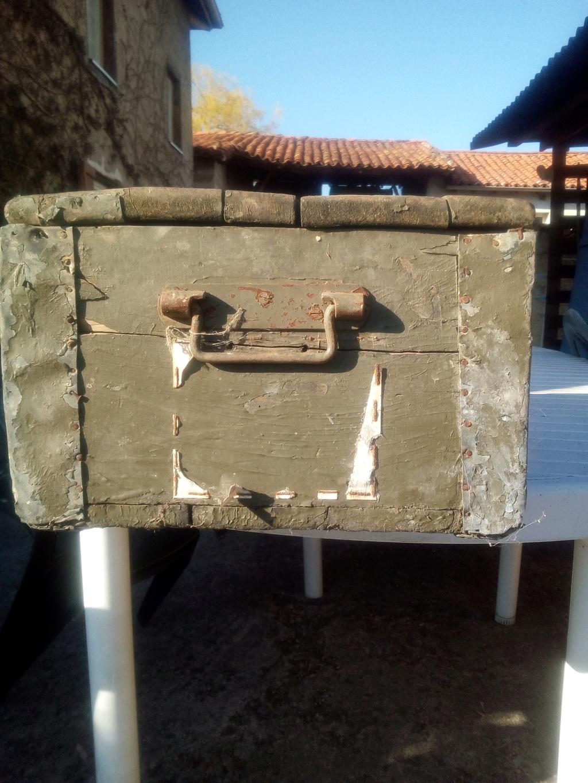 Caisse en bois trouvée en déchetterie  Img_2066