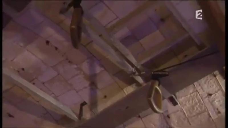 OBJET 140 / Les quatre poignets suspendues Fb_poi11