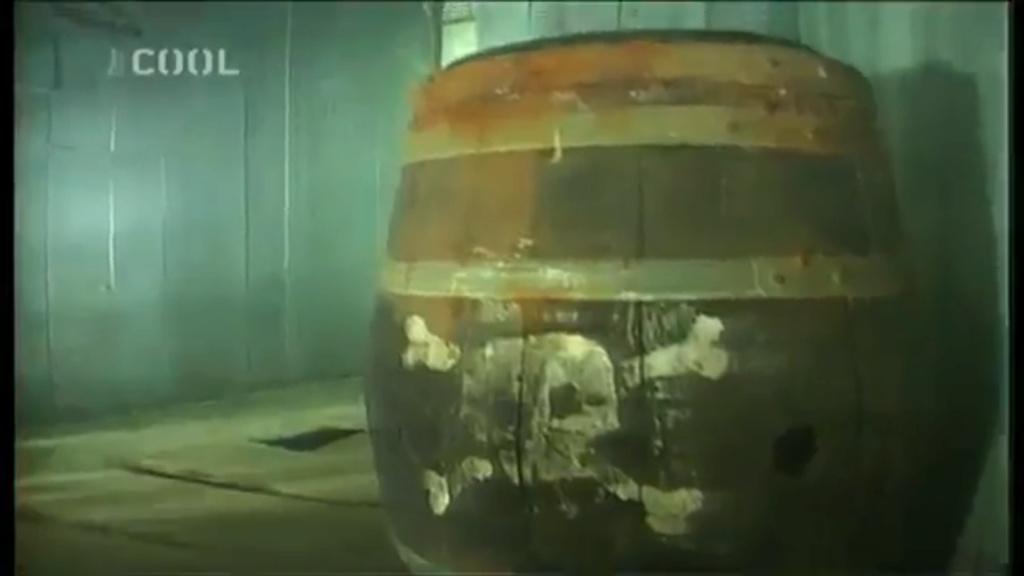 OBJET 100 / Les tonneaux explosifs  Fb_ton26