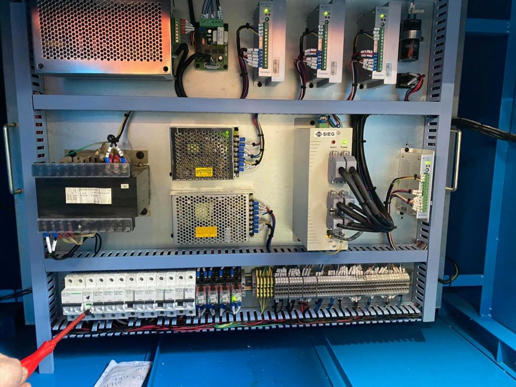 probleme electrique cnc 210