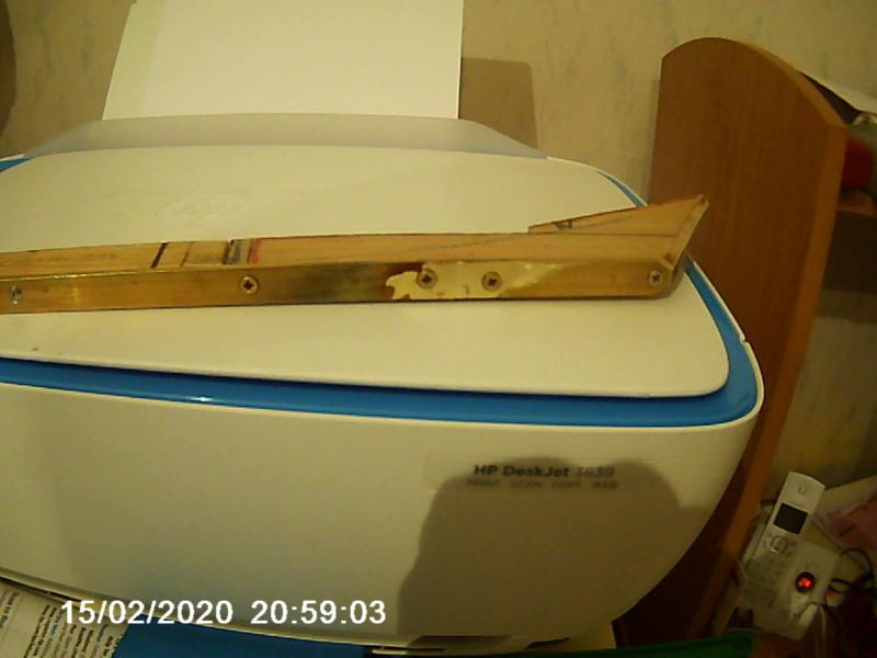 Un bateau de rivière en contre plaqué en propulsion thermique par JPG - Page 5 001286