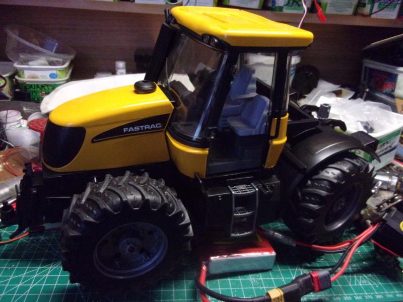 Tracteur agricole JCB de Bruder, 2 directions 03030 - Page 2 003184