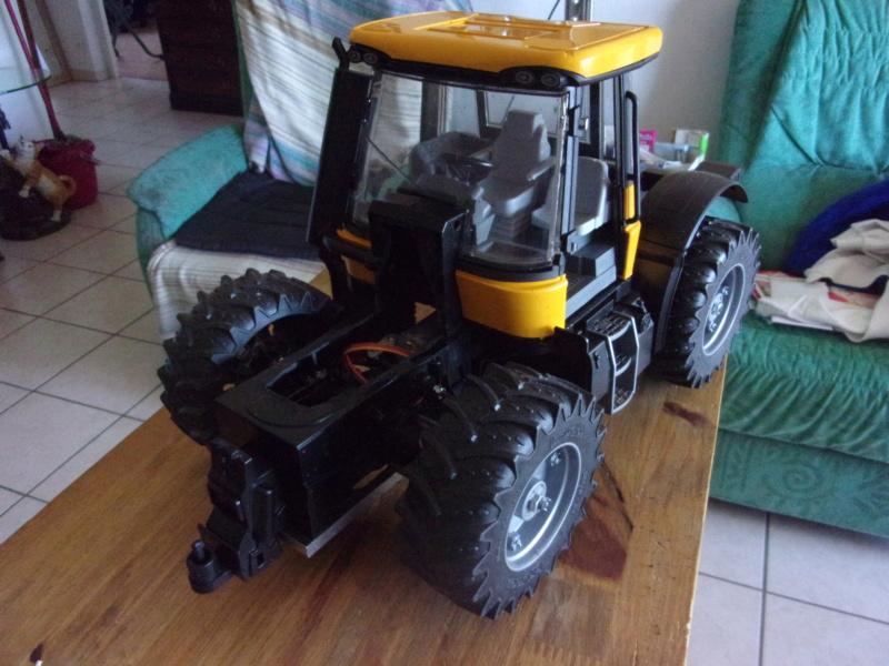 Tracteur agricole JCB de Bruder, 2 directions 03030 - Page 2 003185