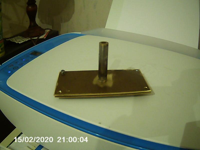 Un bateau de rivière en contre plaqué en propulsion thermique par JPG - Page 5 004182