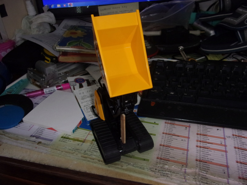La brouette JCB HTD-5 de bruder 00758