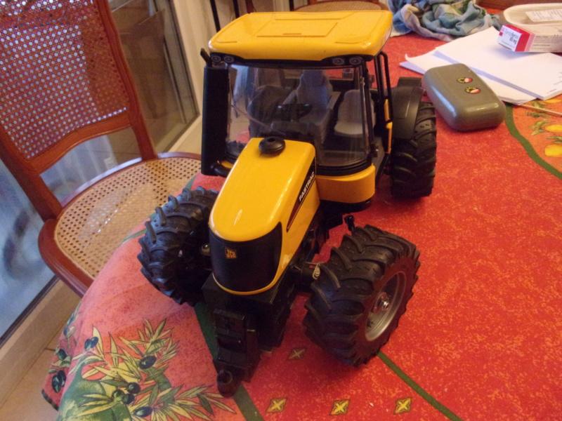 Tracteur agricole JCB de Bruder, 2 directions 03030 - Page 2 01329