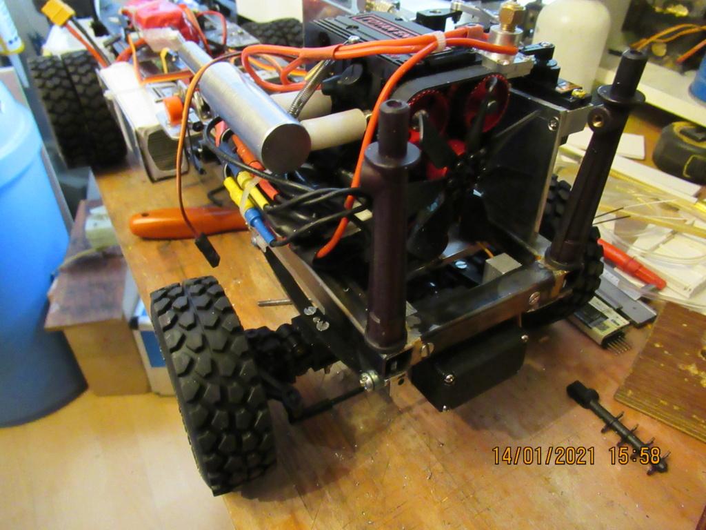 Tracteur routier Paris Dakar d'inspiration libre  sur bi cylindres Toyan - Page 3 2021-067