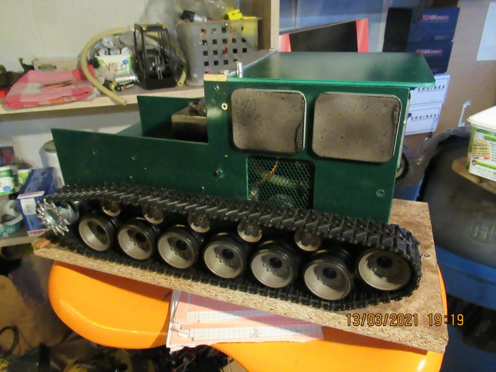Tracteur sur chenilles a traction thermique Free Lance sur base de char Pershing HENGLONG - Page 5 2021-144