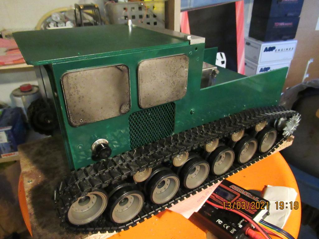 Tracteur sur chenilles a traction thermique Free Lance sur base de char Pershing HENGLONG - Page 5 2021-146