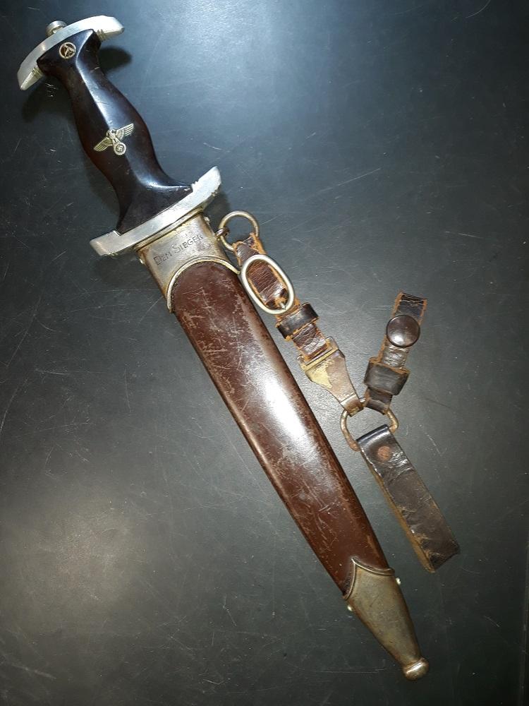Montage vertical pour une dague SA 20190215