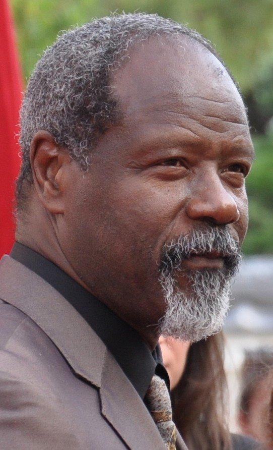 """Le comédien de la série de TF1 """"Profilage"""" Jean-Michel Martial est décédé à l'âge de 67 ans Ehio1b10"""