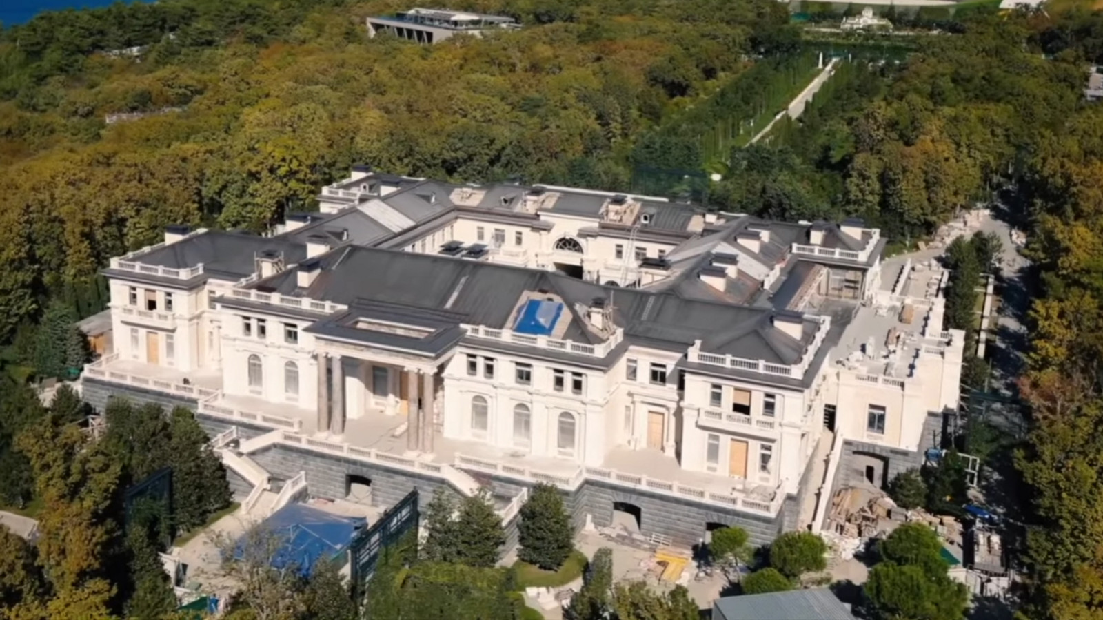 """Le milliardaire Arkadi Rotenberg assure être le propriétaire du """"palais de Poutine"""" Images48"""